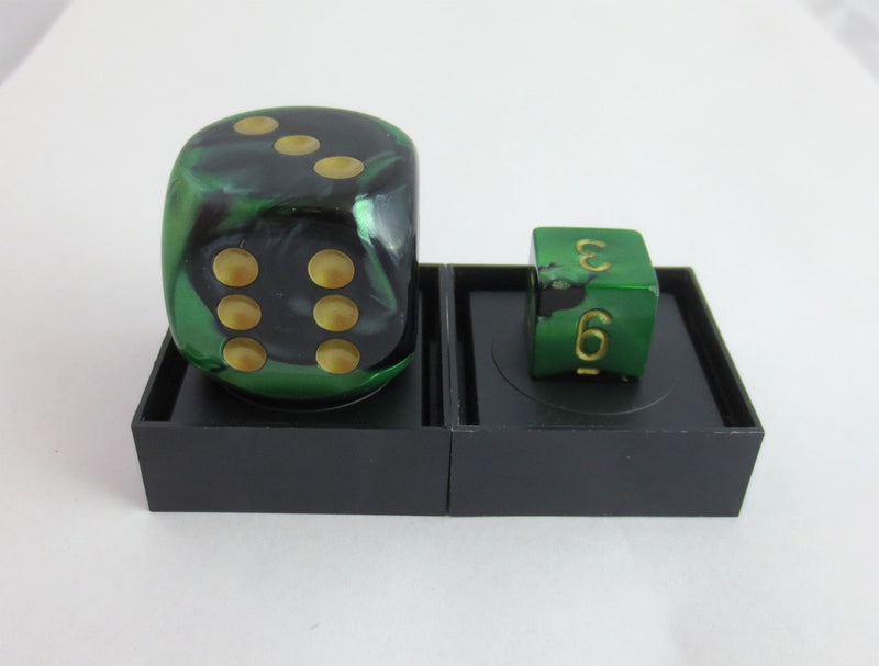30mm Black & Green D6 With Pips (Oversize)