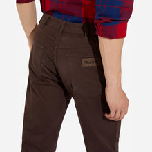 Load image into Gallery viewer, Wrangler Texas Brown Straight Leg Jeans K
