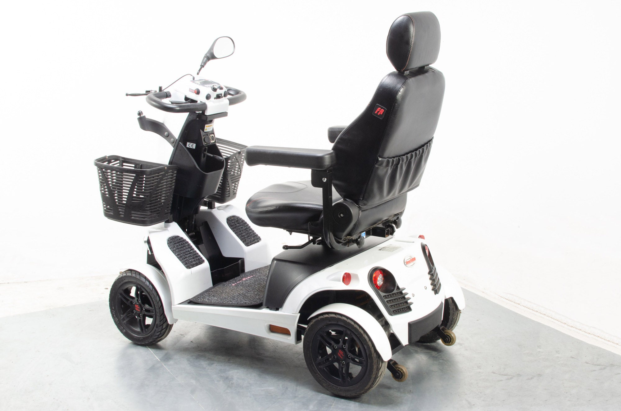 Freerider FR1 Electric Mobility Scooter 8mph Large Road Legal White