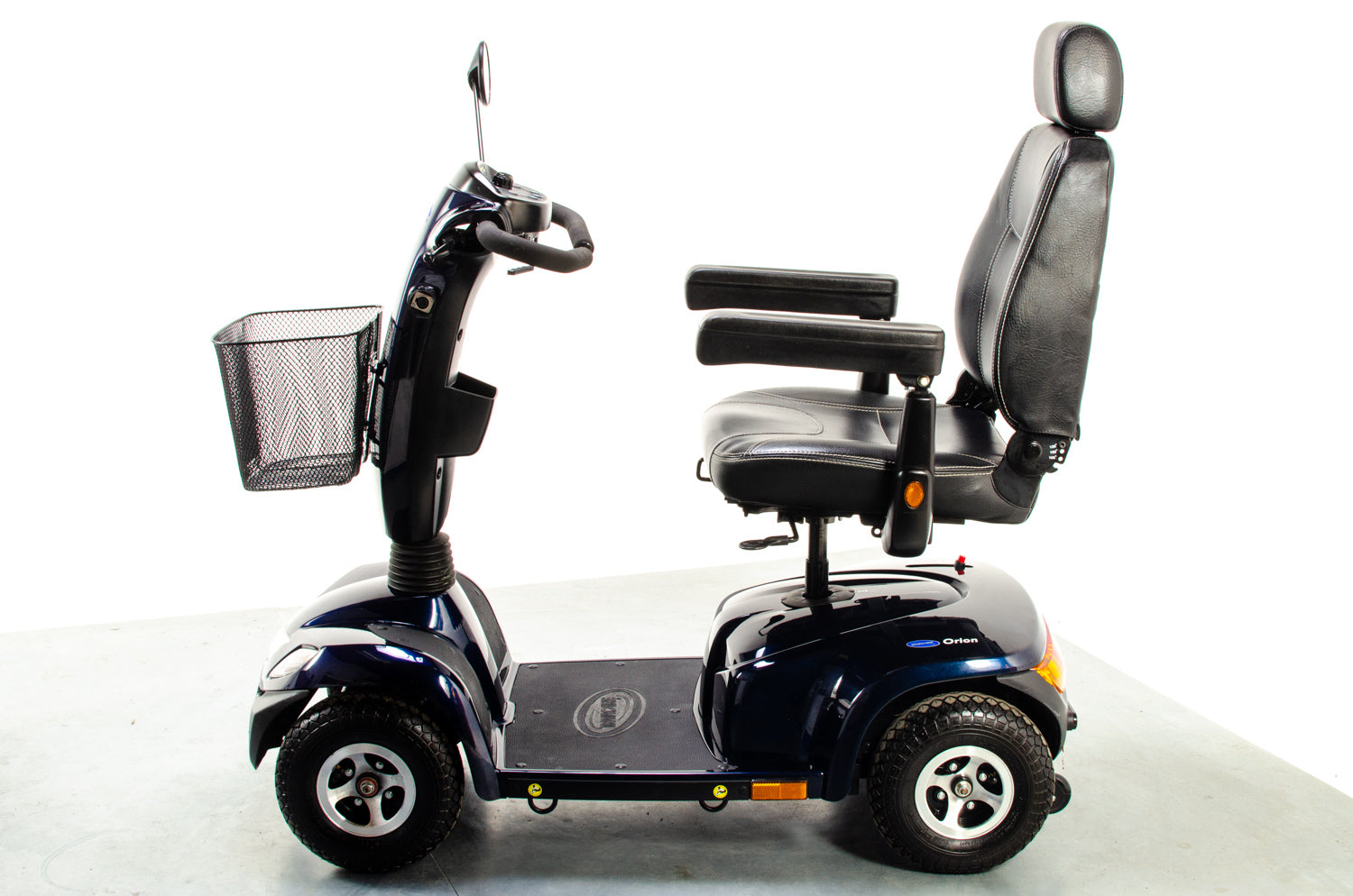 Invacare Orion Midsize Mobility Scooter 8mph Pavement Road Suspension Pneumatic
