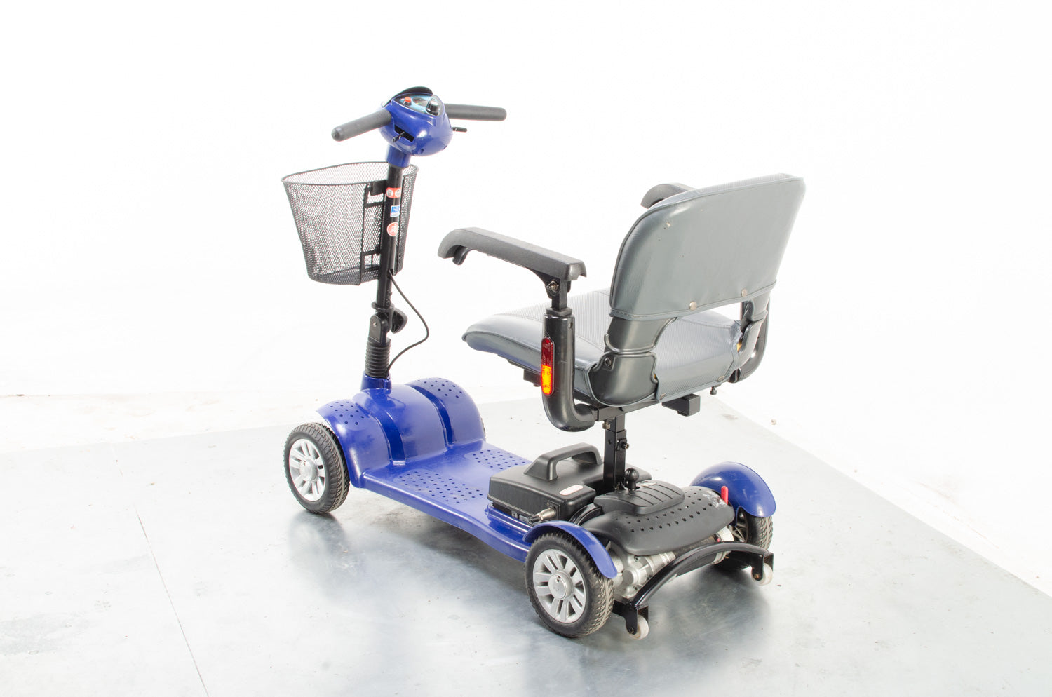 2011 Komfi-Rider Aerolite 4mph Ultra Lightweight Mobility Boot Scooter in Blue