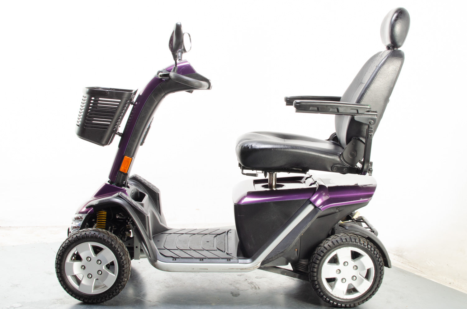 2016 Pride Colt Executive 8mph Large Off Road Mobility Scooter Purple Pearl