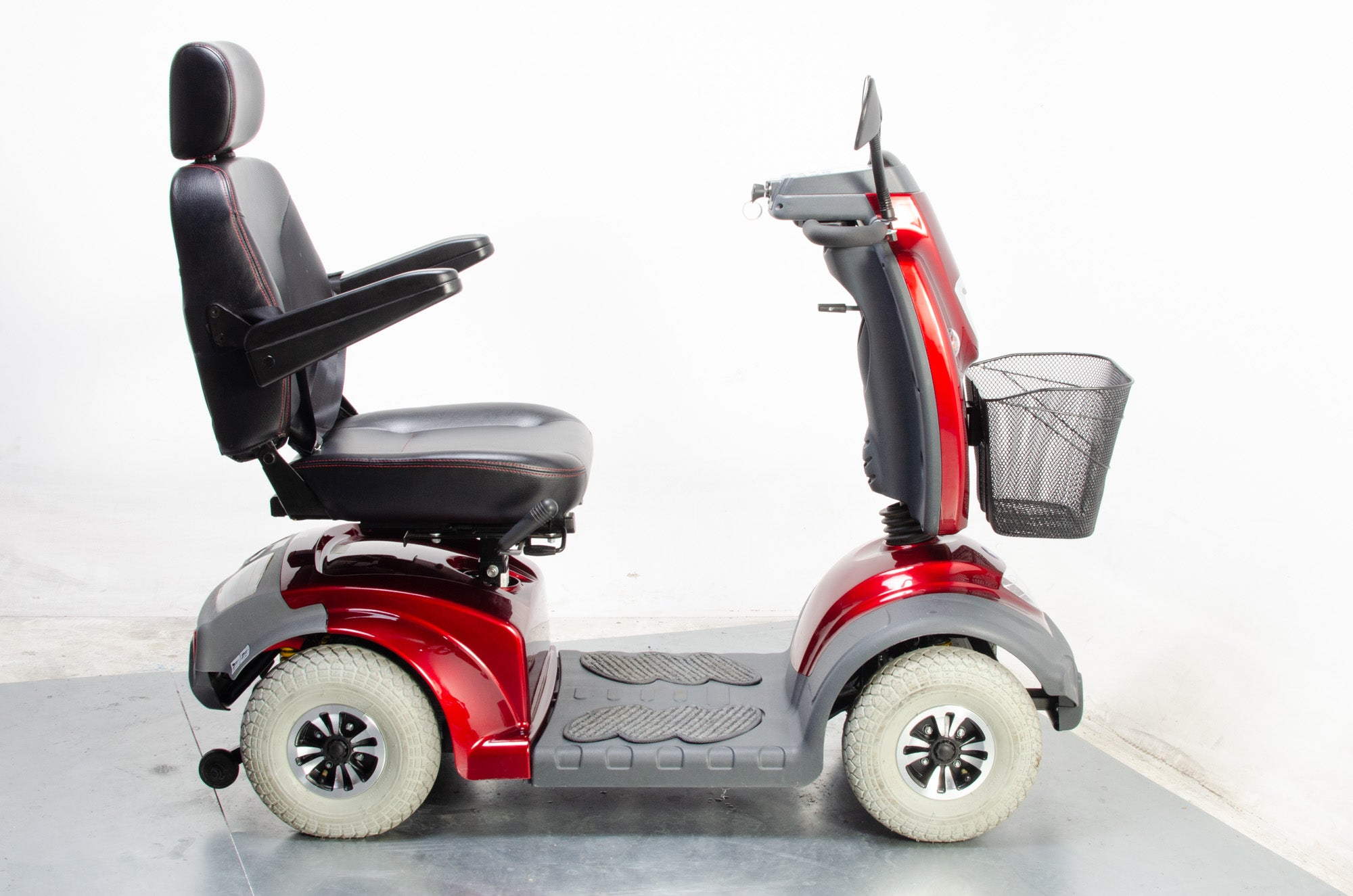 2015 TGA Mystere Electric Mobility Scooter 8mph Mid Size Comfort