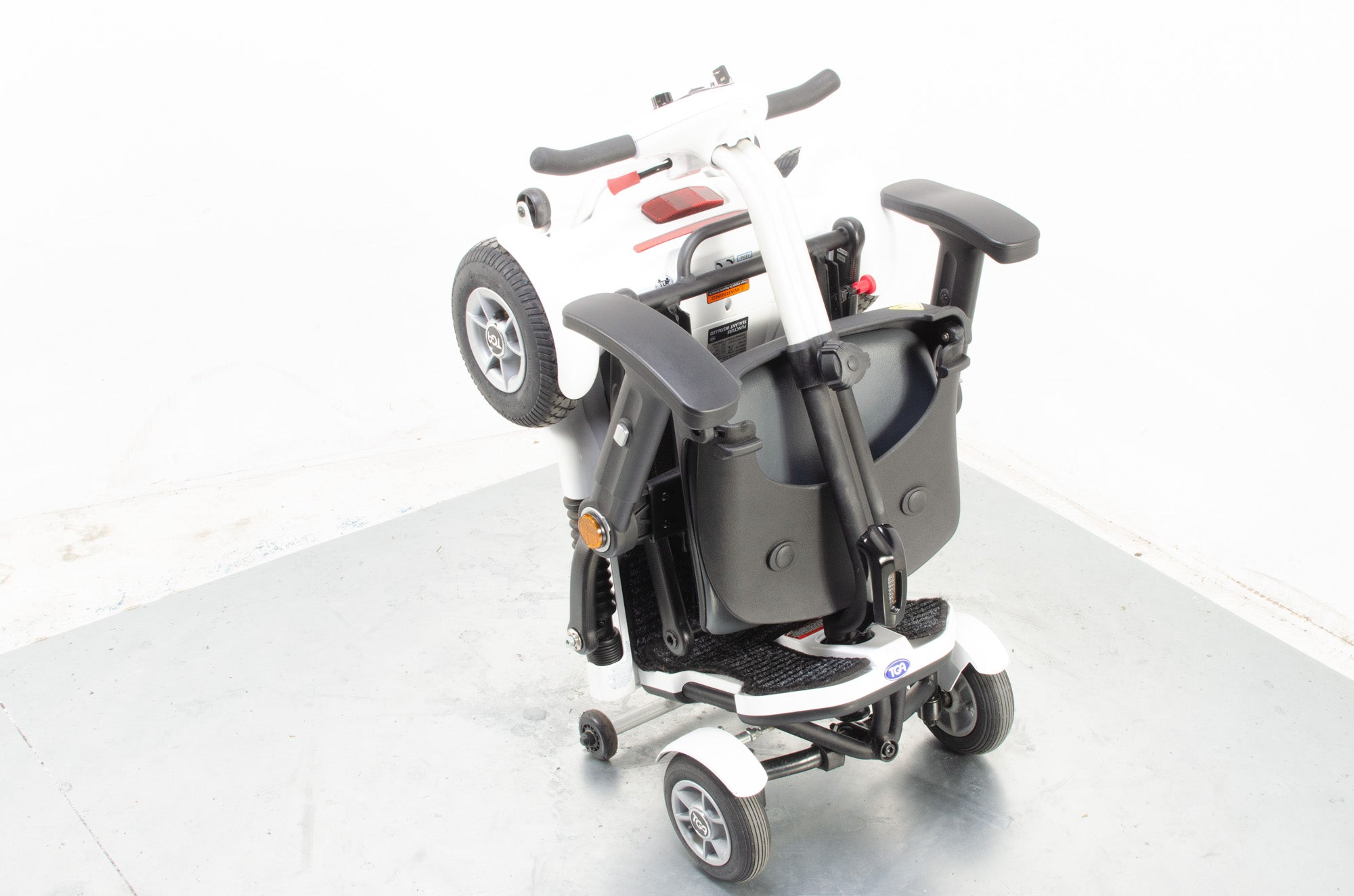 2018 TGA Minimo Plus 4 Compact Folding 4mph Electric Mobility Scooter in White