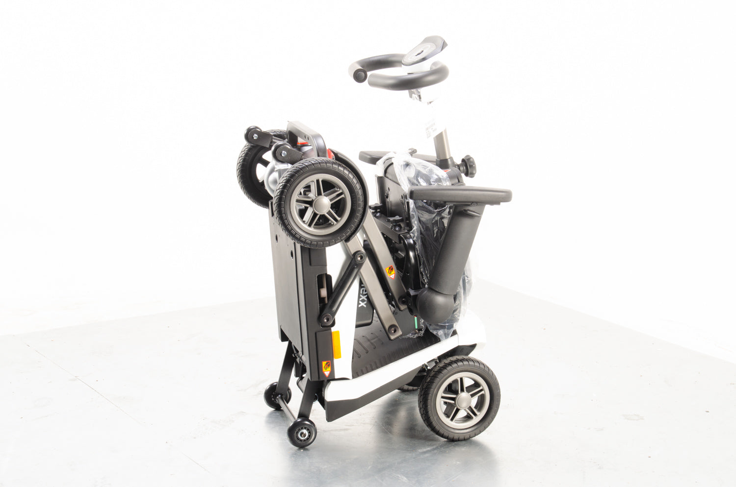 New Motion Healthcare eFlexx 4mph Electric Folding Mobility Scooter