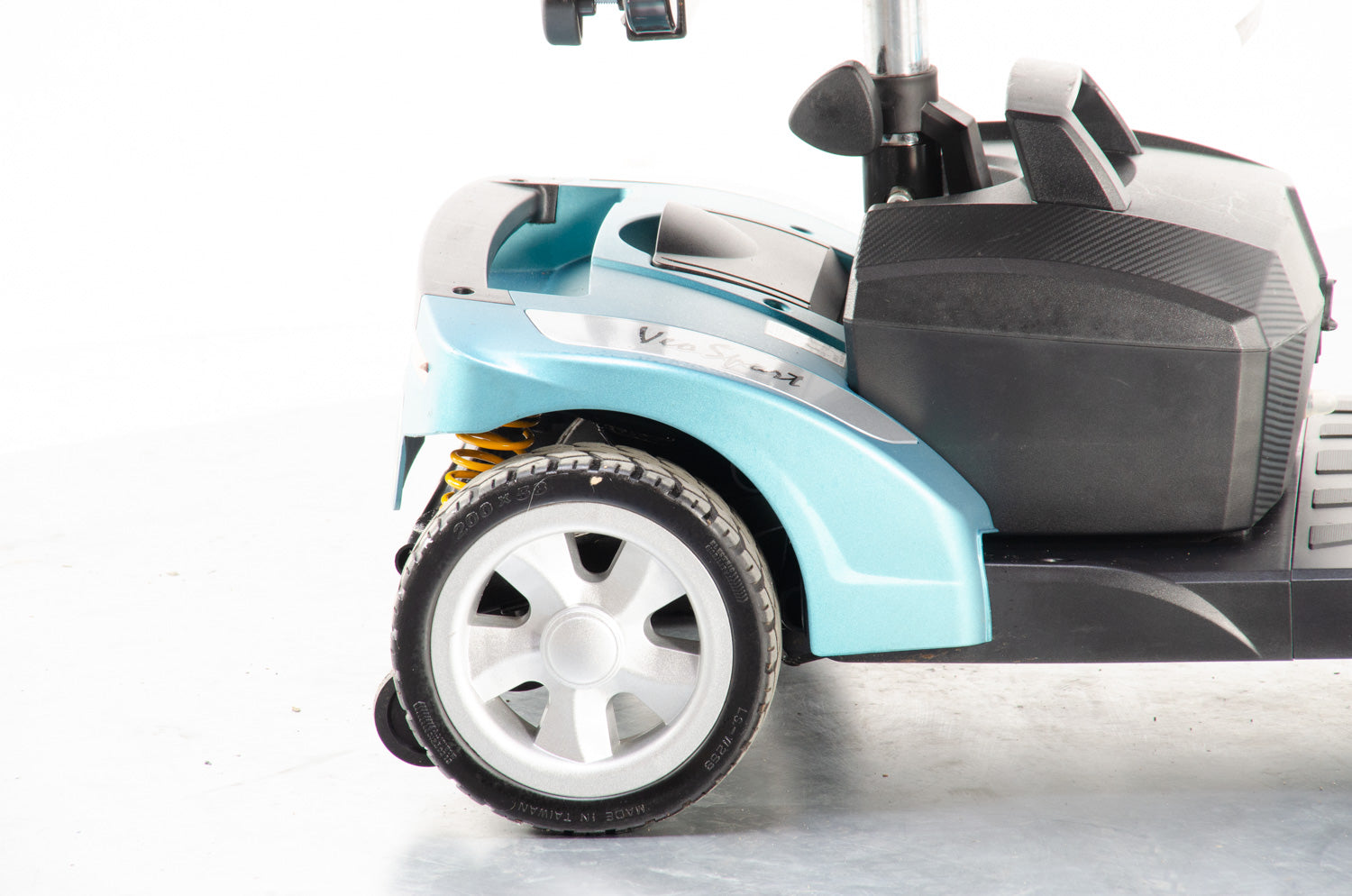 2019 Rascal Veo Sport 4mph Transportable Electric Mobility Boot Scooter with Suspension in Aquamarine