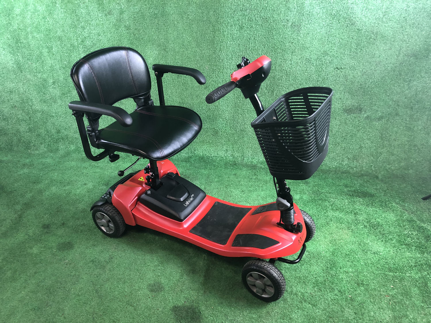 New Motion Healthcare Lithilite Pro 4mph Transportable Boot Scooter 26 mile range
