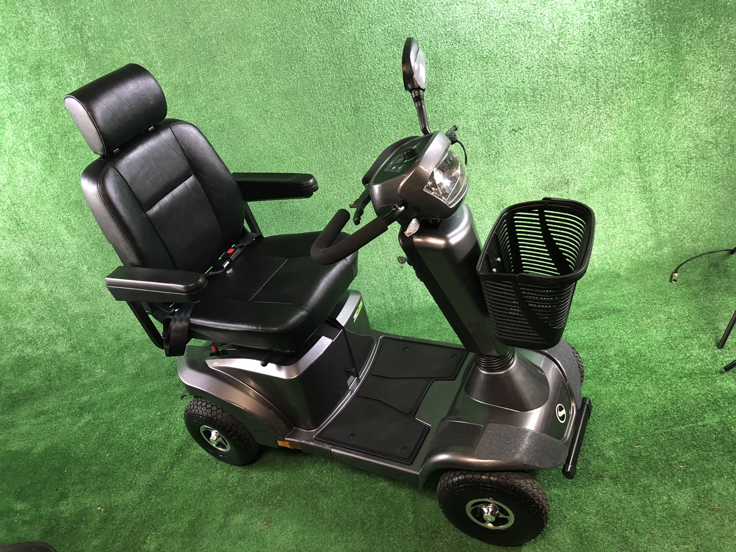 2016 STERLING S425 8MPH LOVELY MOBILITY SCOOTER MID SIZE IN GREY