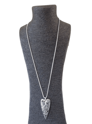 Load image into Gallery viewer, JAINE LATTICE HEART WITH EMBOSSED STAR NECKLACE