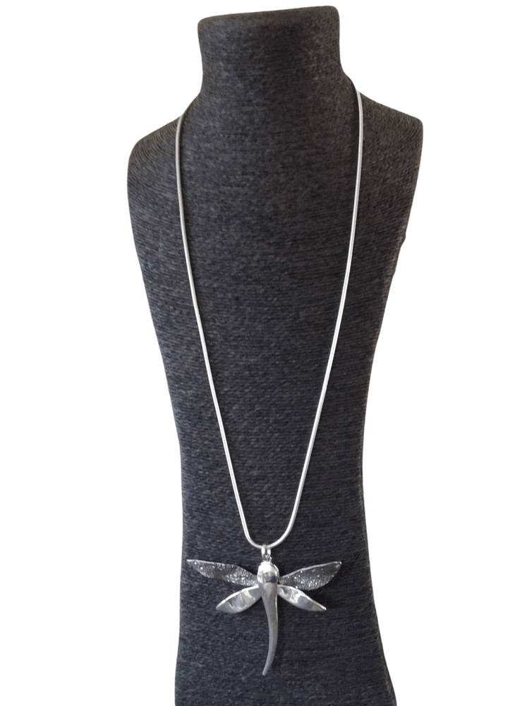 Load image into Gallery viewer, RAVEN HAMMERED DRAGONFLY NECKLACE