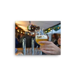 Practise the Duvel Tripel Hop perfect serve - close up photo on a canvas print