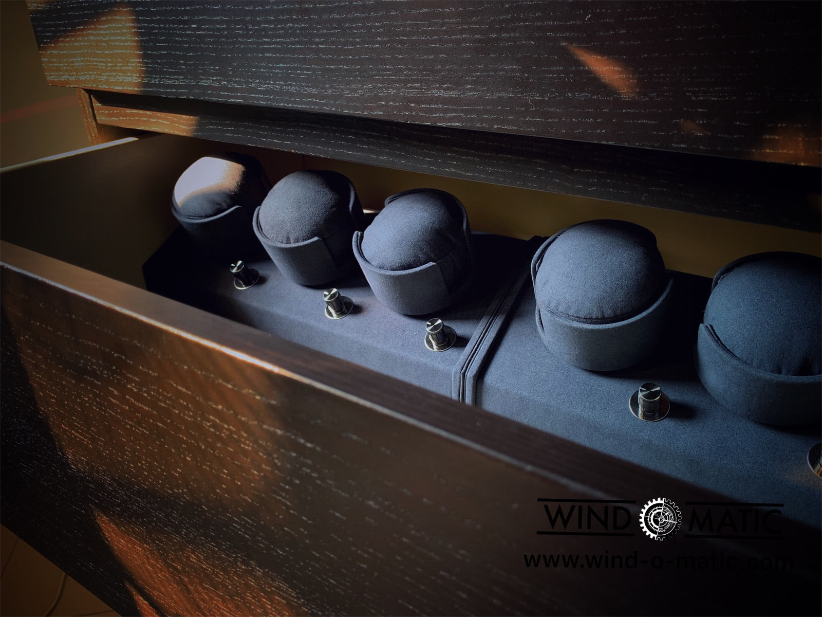 FEATURED! Bespoke Watch Winder