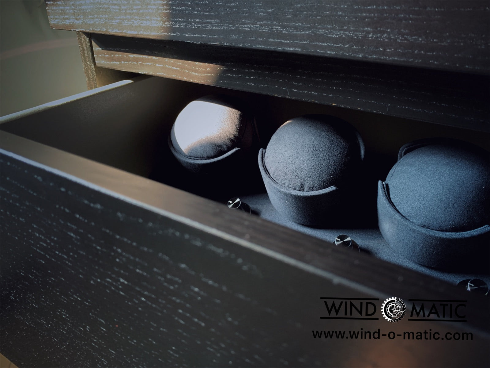 3+0 Bespoke Watch Winder