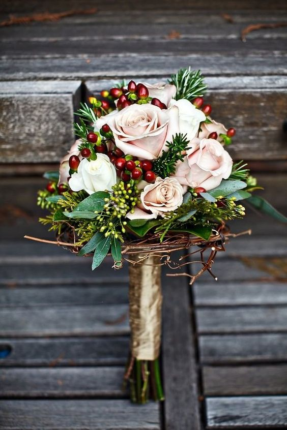 christmas wedding bouquet flowers