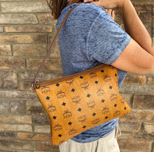 Load image into Gallery viewer, MCM Large Monogram Wristlet
