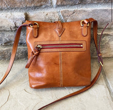 Load image into Gallery viewer, Dooney & Bourke Florentine Leather Crossbody