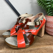 Load image into Gallery viewer, Chloé Patent Leather Sandal Heel