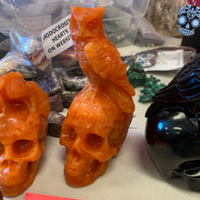 Load image into Gallery viewer, Indian sunstone Skull with Owl