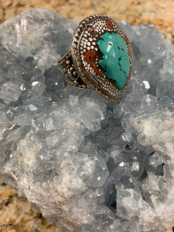 Vintage Turquoise and Coral Ring Size 11.25 X000