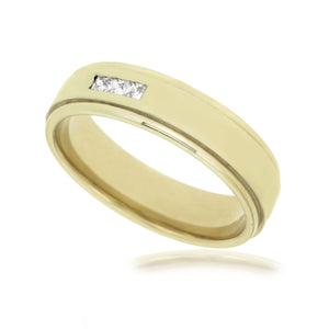 Gents band with 0.15ct diamond in 9kt yellow gold