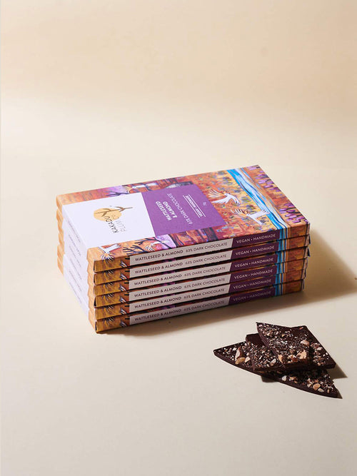 beautiful-Australian-artwork-on-box-containing-organic-chocolate