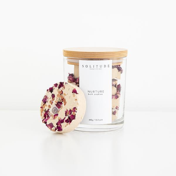 glass-jar-with-organic-bath-cookies-with-pretty-petals