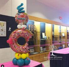 Load image into Gallery viewer, Donut & Sprinkles Pedestal