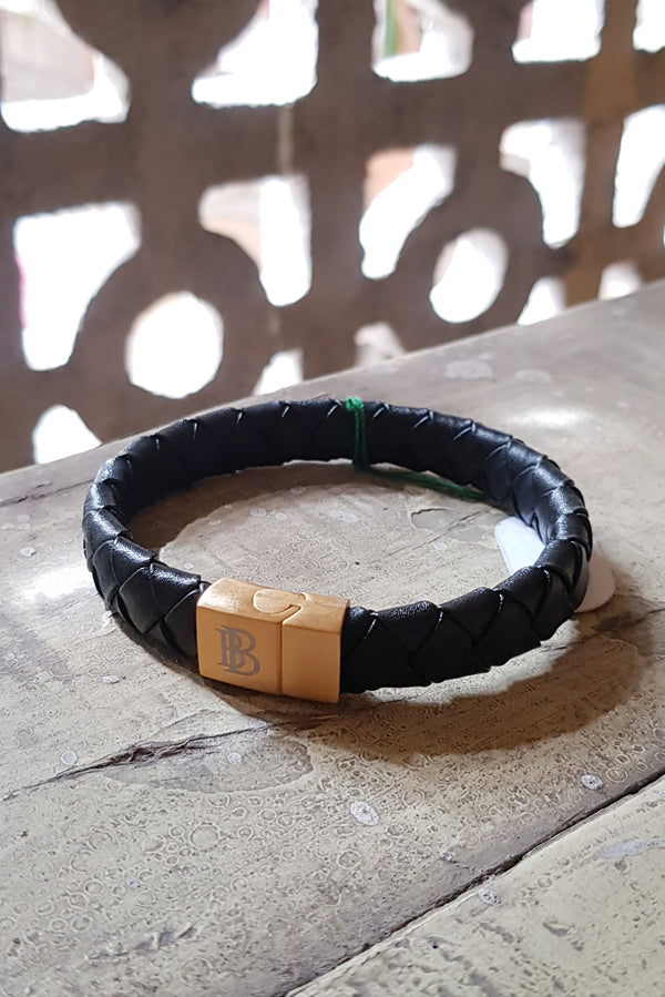 Broad Weave Black Flat Leather Bracelet With Magnetic Clasp