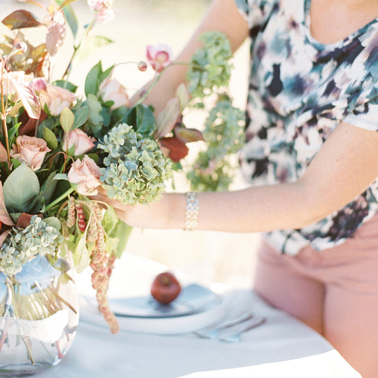 Flower Workshops available online, or in-person in Dallas, Texas. Learn floral basics like flower arrangement design, wedding floral design, flower crown creation, or advanced concepts like flower chandeliers and flower wall installation