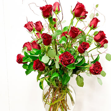 Valentine's Pre-Order: Two Dozen Long Stem Rose Vase Arrangement | Fresh Arrangement - Lizzie Bee's Flower Shoppe