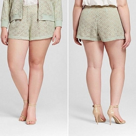 Victoria Beckham  Women's Plus Mint Green Pleated Lace Shorts