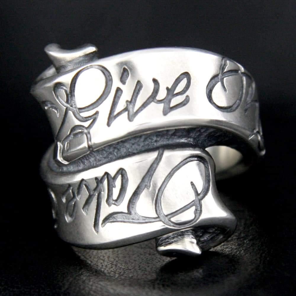 Message On Ribbon Ring / Give No Take No