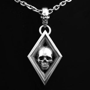 Diamond with Skull Top