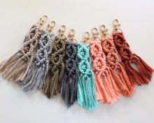 Load image into Gallery viewer, Simple Macrame Keychain