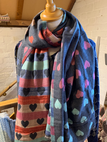 Reversible Heart Scarf Grey
