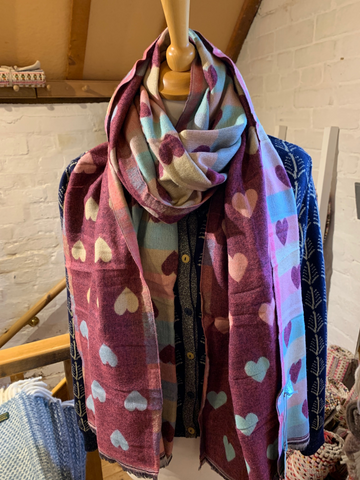 Reversible Heart Scarf Pink