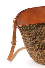 Load image into Gallery viewer, Woven Banana Fiber and Leather Handbag