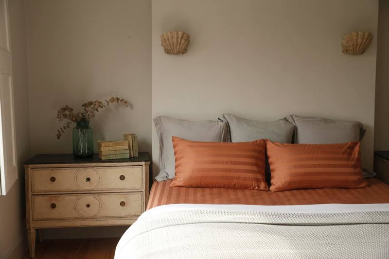 copper-bedsheet-and-pillow-case