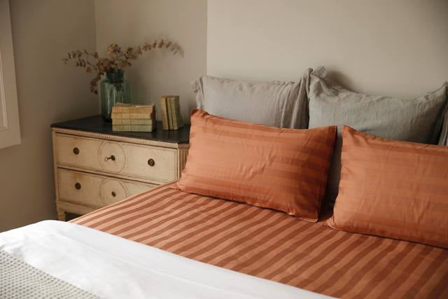 copper-bedsheet-and-pillowcase