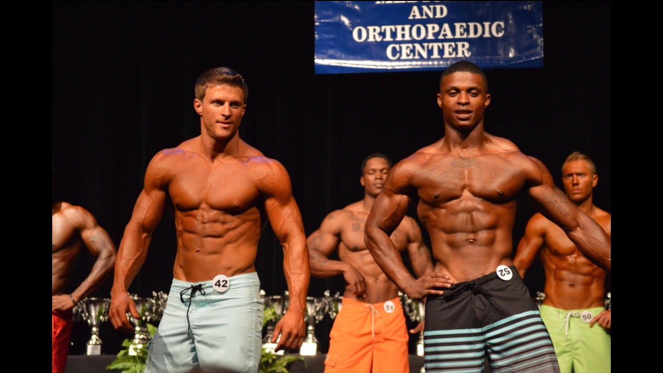 physique competition side-by-side
