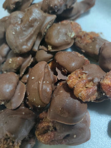 Candied Pecans Dipped in Chocolate 12oz