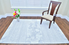 Transitional European Style White Rug