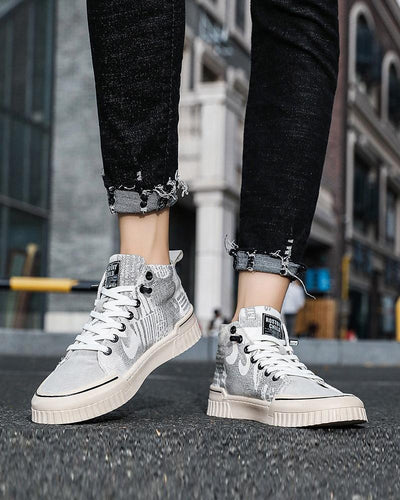 Graphic Round-toe Lace-up High Top Sneakers