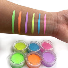 "Load image into Gallery viewer, ""Lime Cream"" UV Pastel Cake Liner (10g)"