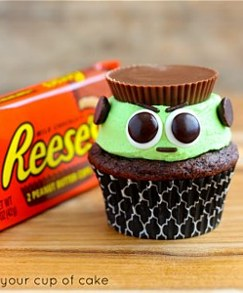 halloween cupcake recipe,halloween cupcake ideas,halloween baking