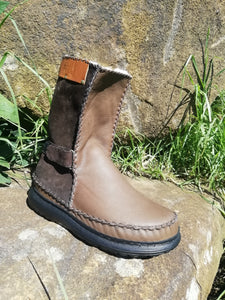 Pull On Leather Boots with Velcro Straps (UK 11)