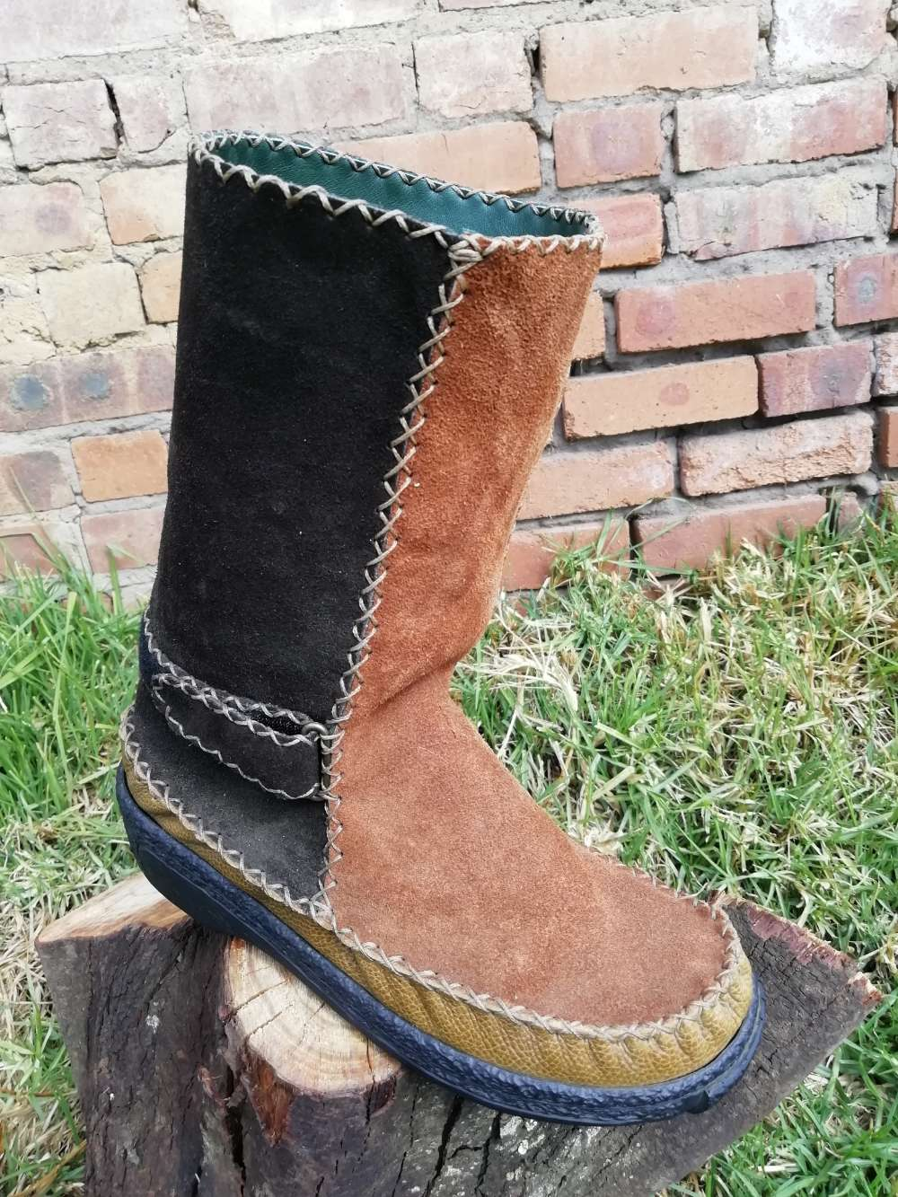 Pull On Leather Boots with Velcro Straps (UK 7)