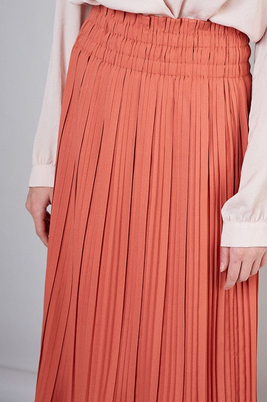 Winter Peach Pleated Midi Skirt with Rouched Top