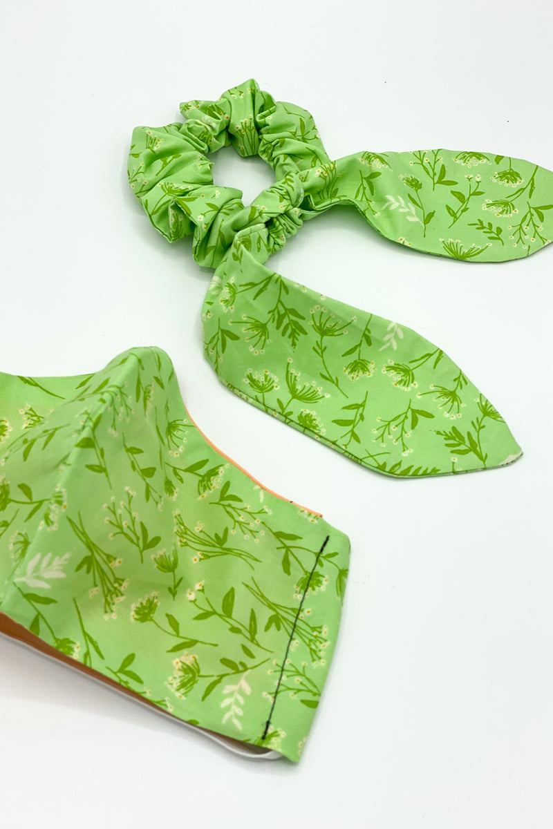 Plant Touch This Green Floral Mask