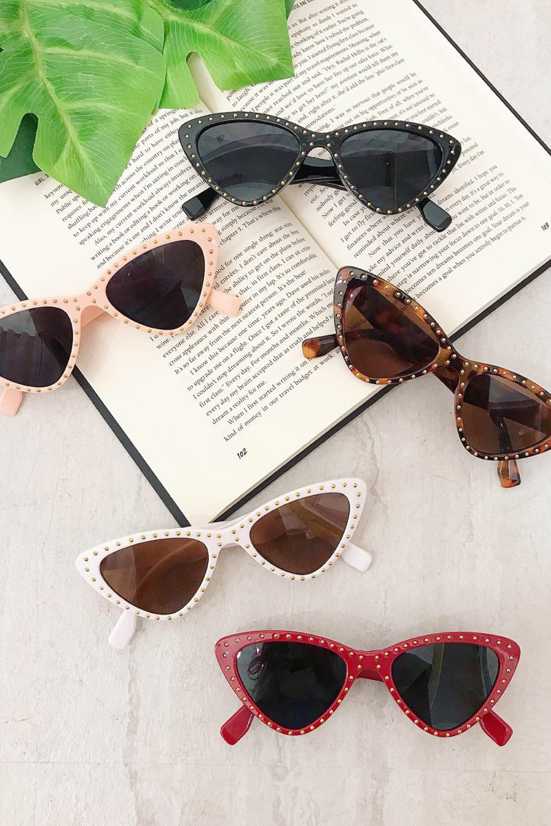 Retro Studded Cateye Sunnies